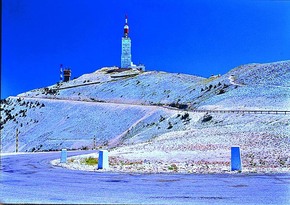 Na Mont Ventoux končila etapa cyklistického závodu desetkrát v historii. Cíl bývá v nadmořské výšce 1909 nebo 1895 metrů.