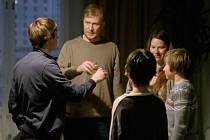 Film Příliš mladá noc slovinského režiséra Olma Omerzu boduje na světových filmových festivalech.