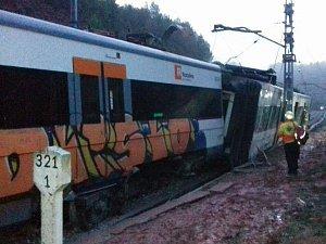 Nedaleko španělské Barcelony vykolejil vlak