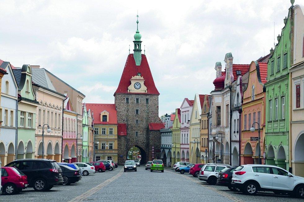 Dolní brána v Domažlicích: nejstarší přírodní rezervaci nejen u nás, ale v celé pevninské Evropě založil v roce 1838 hrabě Jiří František August Buquoy.