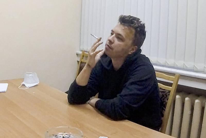 Zadržovaný běloruský opoziční novinář Raman Pratasevič