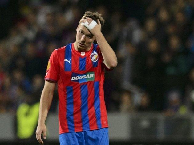 Smutný Stanislav Tecl z Plzně po neproměněné penaltě proti Lyonu.