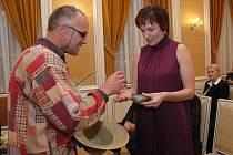 Dušan Dvořák, provozovatel stránek Konopí je lék s bývalou ministryní Danou Juráskovou