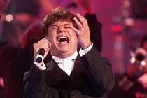 Zemřel zpěvák Juan Gabriel, ikona současné mexické hudby