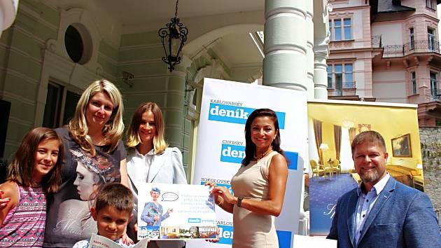 Jakub si chytil na festivalu letušku Deníku.