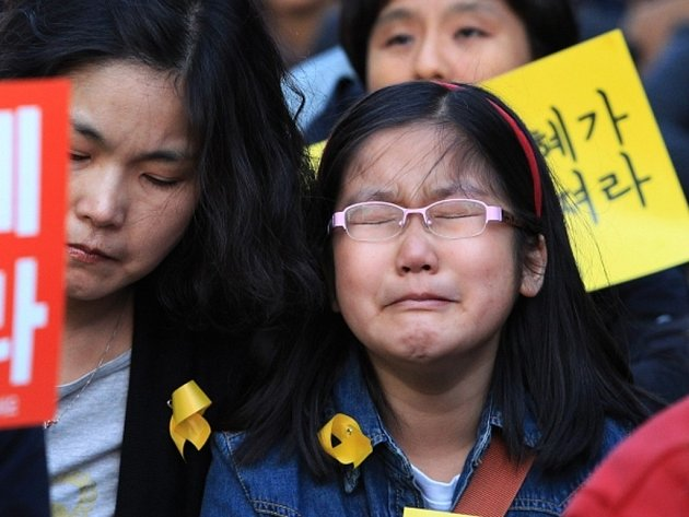 Rodiny pohřešovaných tlačí na záchranáře z obav, v jakém stavu budou těla po tak dlouhé době vypadat.