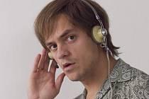 Zlo plodí zlo, říká představitel hlavní role v thrilleru Konfident, Jiří Mádl.