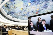 Náměstek čínského ministra zahraničí Le Jü-čcheng na přezkoumání zprávy OSN o dodržování lidských práv v Číně.