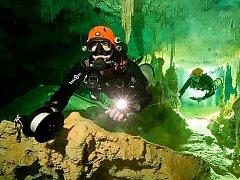 Největší systém podvodních jeskyní na světě, který byl dosud objeven. Je dlouhý 347 kilometrů.
