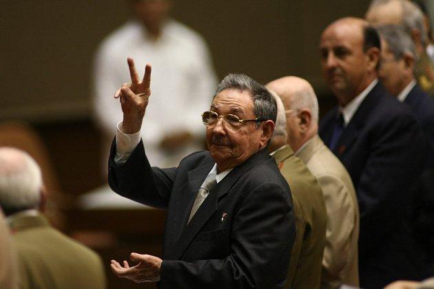 Fidela Castra vystřídal ve funkci prezidenta jeho bratr Raúl letos v únoru. Začal s reformami