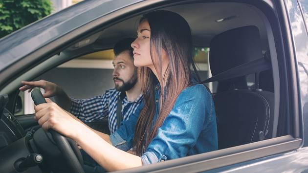 Mladí v kraji bourají příliš často. Ministerstvo chce zavést řidičák na zkoušku