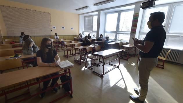 Návrat žáků na ZŠ v Hlučíně