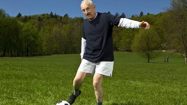 I s přibývajícími roky je třeba zůstat dostatečně pohyblivý a silný, aby se předcházelo rizikům zranění