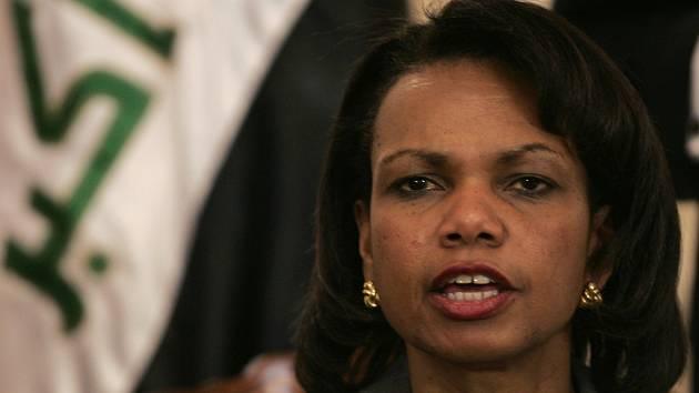 O co nejpozitivnější obraz konfliktu v Iráku se zasazovala také ministryně zahraničí Riceová.