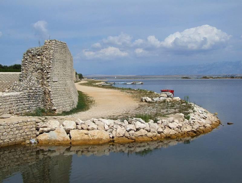 Město Nin v blízkosti Ninské Laguny