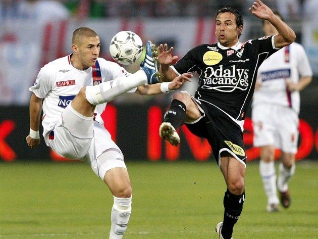 Karim Benzema (v bílém)