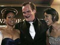 Auto zabiják v Cannes: Quentin Tarantino s herečkami Tracie Thomsovou a Rosario Dawsonovou