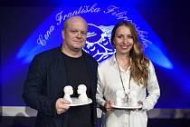 Herec David Novotný a herečka Tereza Bebarová získali 21. září 2019 v Přelouči Cenu Františka Filipovského za nejlepší mužský a ženský herecký výkon v dabingu