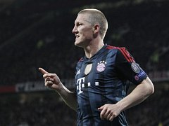 Bastian Schweinsteiger z Bayernu Mnichov se raduje z gólu proti Manchesteru United.