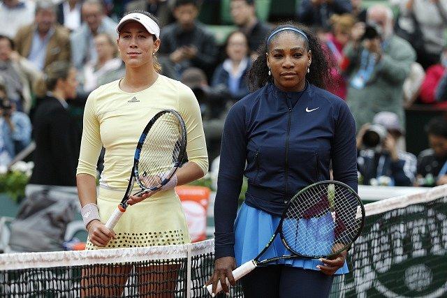 Gabriňe Muguruzaová a Serena Williamsová