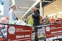 Ve více než 380 obchodech v celém Česku se 22. listopadu konala Národní potravinová sbírka
