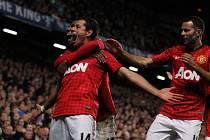 Javier Hernandez rozhodl o výhře Manchesteru United na hřišti Chelsea.