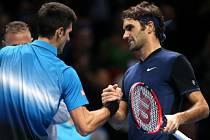 Poslední setkání. Roger Federer ve skupině porazil Novaka Djokoviče