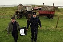 Přenosná volební urna dorazila i na irský ostrov Inishfree.