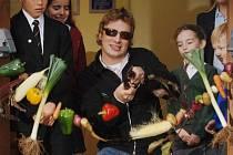 Vyhlášený britský kuchař Jamie Oliver považuje vaření s dětmi za velmi dobrou učební metodu.
