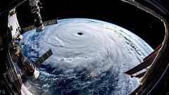 Pohled na tajfun Trami z vesmíru