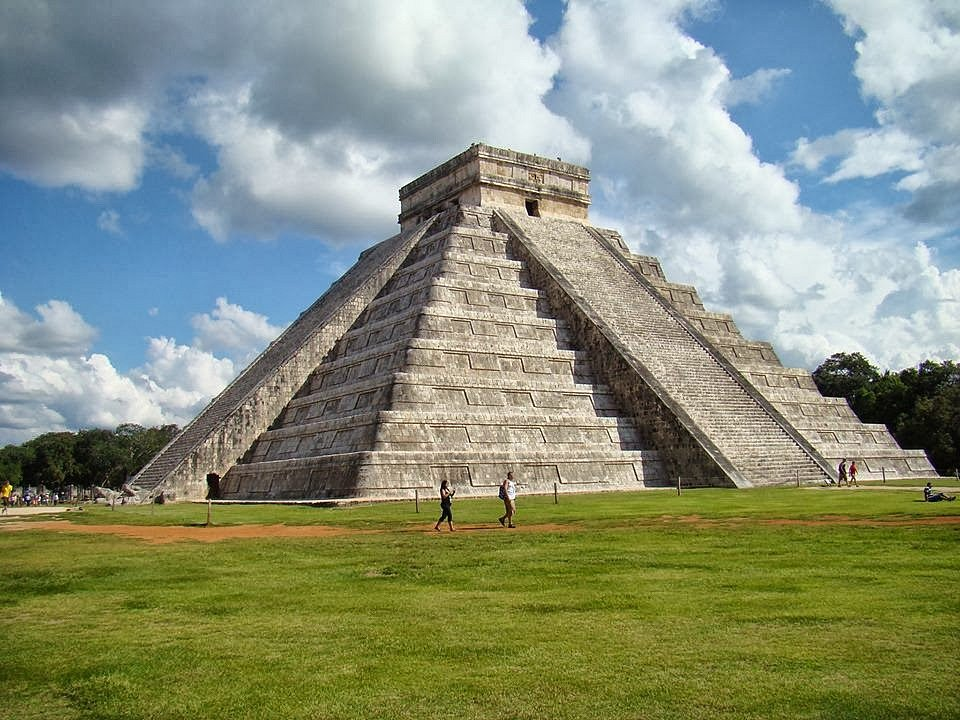 Pyramida El Castillo v Chichén Itzá
