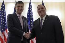Český ministr zahraničí Tomáš Petříček (vlevo) a šéf americké diplomacie Mike Pompeo.