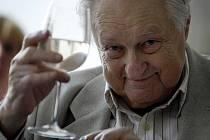 PERFEKCIONISTA. Režisér má vždycky pravdu. U devadesátiletého Jiřího Krejčíka to vždycky platilo a platí dvojnásob.