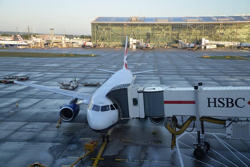 Britské společnosti již nebudou moci provozovat lety mezi unijními destinacemi. Letadla budou moci létat pouze z britských měst do jedné další evropské destinace, a naopak.
