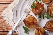 Karamelizované cibulky