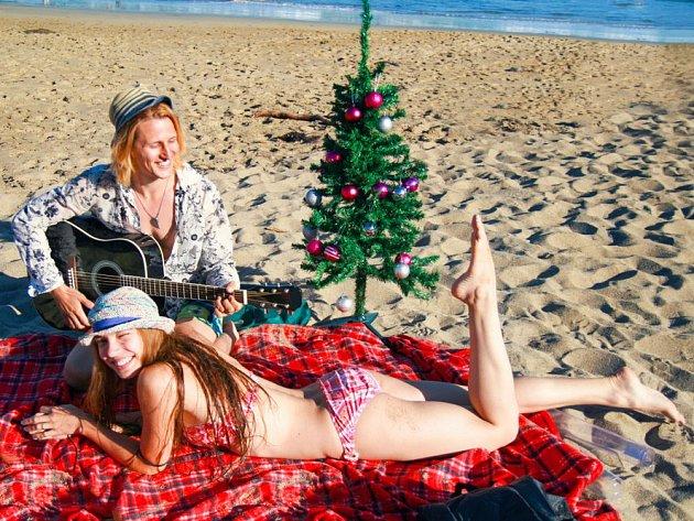 Nový Zéland. Na jižní polokouli připadají svátky na letní měsíce