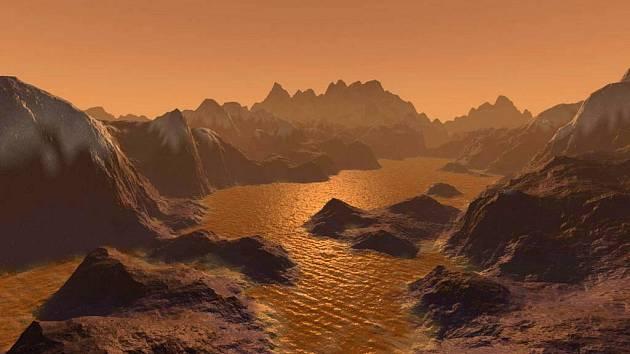 Oranžová jezera oceány i oblaka na Titanu tvoří především různé uhlovodíky. Hluboko pod povrchem se však prý ukrývá oceán vody s trochou amoniaku.