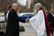 Trump zahájil inaugurační program návštěvou kostela
