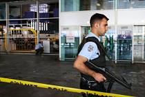 Turecké úřady zatím hlásí 36 obětí, kromě nich při útoku zemřeli i tři atentátníci.