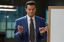 Leonardo DiCaprio ve filmu Vlk z Wall Street.