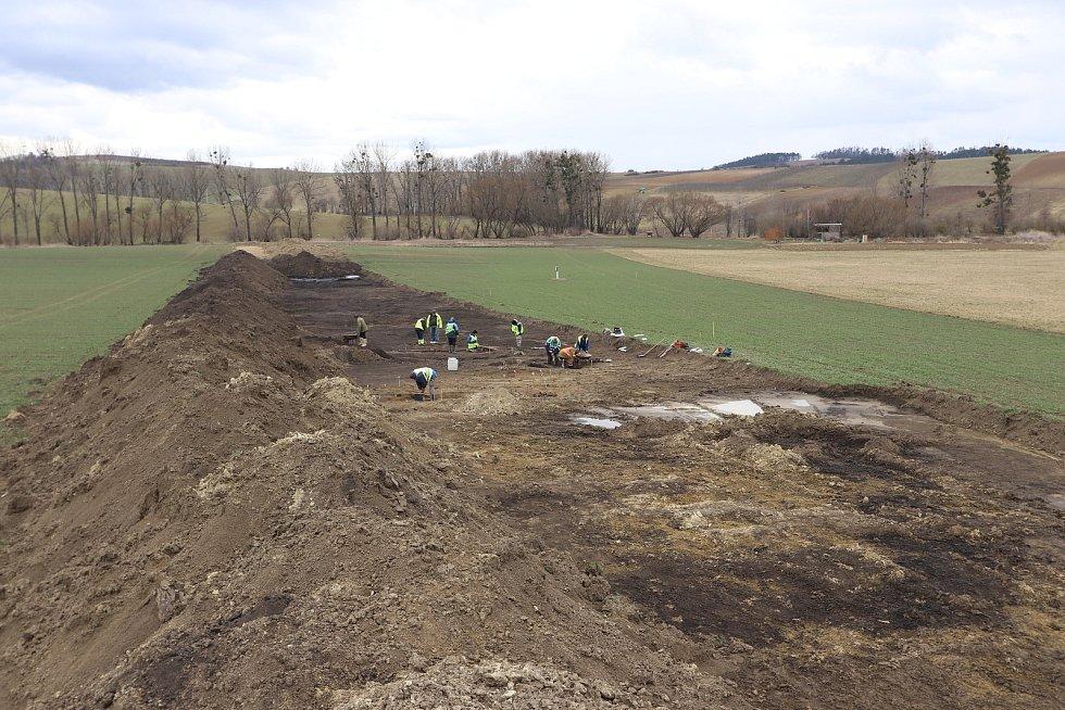 Archeologické práce v trase plynovodu Moravia na Hodonínsku.