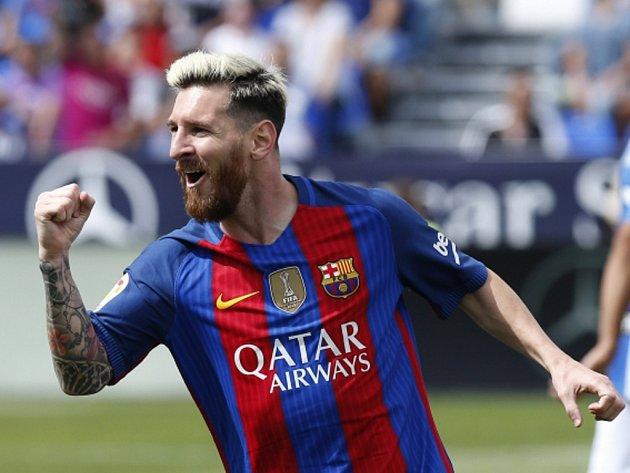 Kanonýr Barcelona Lionel Messi se raduje z gólu.