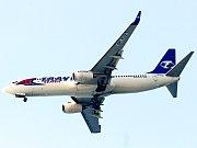 Letadlo letecké společnosti Travel Service.