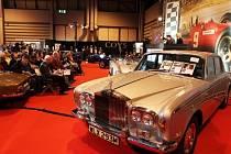 Mercuryho Rolls-Royce se vydražil za 74.000 liber