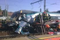 U Studénky na Novojičínsku se srazil na zabezpečeném přejezdu vlak Pendolino s kamionem.