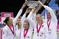 České tenistky se v neděli 6. listopadu 2011 po 23 letech radovaly z triumfu ve Fed Cupu. Vítězný bod dramatického finále v Moskvě získaly ve čtyřhře Květa Peschkeová s Lucií Hradeckou. České hráčky ve finále porazily Rusko 3:2.