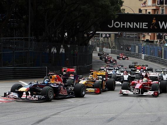 Mark Webber z Red Bullu si připsal triumf na Velké ceně Monaka.