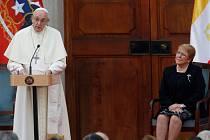 Papež František na první oficiální návštěvě Chile
