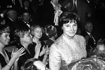 """Herečka Taťána Samojlovová se 25.1.1961 zúčastnila v Paříži premiéry svého filmu """"Léon Garros hledá přítele""""."""