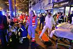 Pět osob také zahynulo v ulici Fontaine-au-Roi.